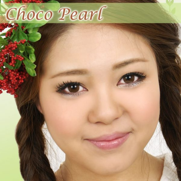 a beautiful girl with Choco Pearl Contact Lenses 02